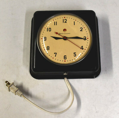 General Electric Telechron 2H08 Garcon GE Wall Clock in Black - WORKS GREAT