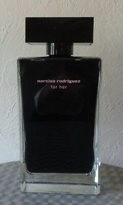 FACTICE  GEANT    NARCISO RODRIGUEZ   femme