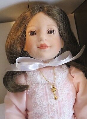 """Tonner """"Heather"""" 16"""" Porcelain Limited Edition Doll With Hat, NIB"""