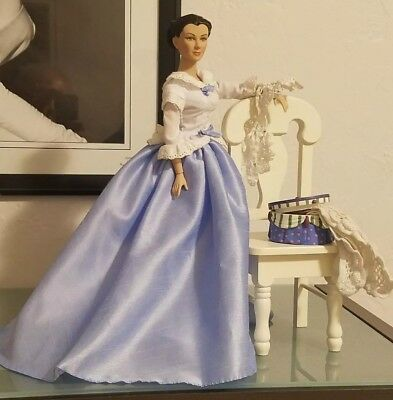 "Tonner Scarlett O'Hara Sewing Circle 16"" vinyl doll Gone with The wind"