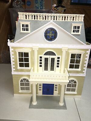Sylvanian Calico Critters Epoch Deluxe  2  Story Family Home Loaded  Rabbits