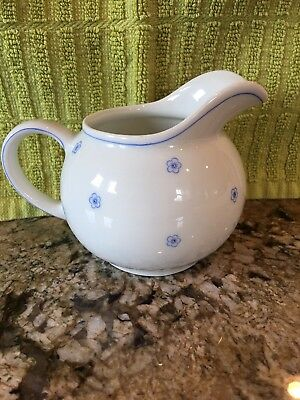 Arzberg White Small Petite Blue Flower Creamer