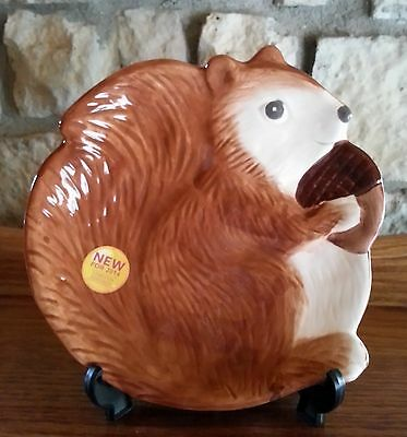 Squirrel Holding Acorn Plate Better Homes & Gardens Limited Edition 2014