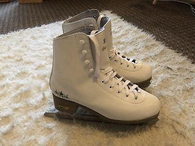 Ice/Figure Skates Size 6 For Girls/Ladies In White