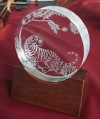 Steuben Tiger Medallion 2-Side Engraved Very Detailed Desk Art Glass Paperweight