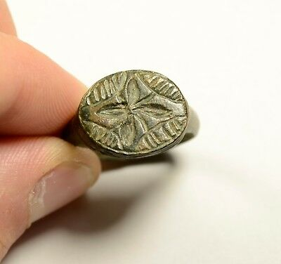 Perfect Roman Bronze Ring With Interesting Bezel - Wearable