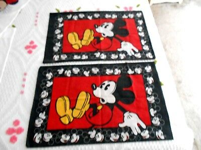 Vtg Pair of Disney Red & Black Mickey Mouse Pillow Cases (Pre-Owned)