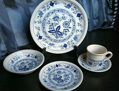 STAFFORDSHIRE BILTONS TABLEWARE England Blue Onion Pattern 5 Piece Place  Setting