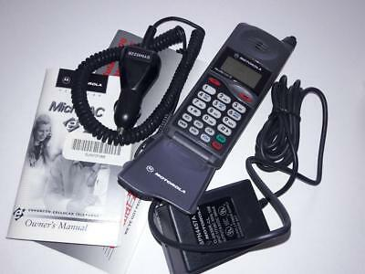 Vintage 1997 Motorola MicroTac 650 flip cell phone wall charge car charger