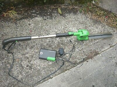 gtech HT01 cordless hedge trimmer in excellent used condition