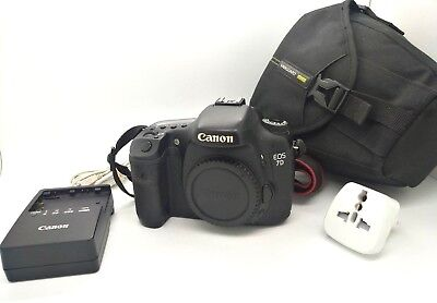 Reflex Digital Camera CANON EOS 7D - 18Mpx - DSLR - DS126251 - Only Body & Acc