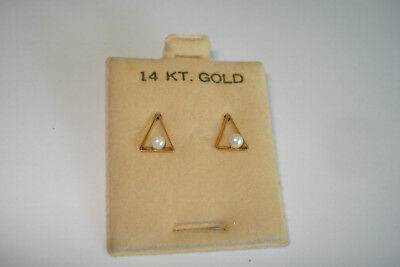 New 14K Yellow Gold Stud Post Earrings Triangle Seed Pearl