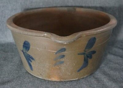 """Blue Decorated Stoneware 1 Gal. BATTER BOWL with Pouring Spout - 11"""" - UNSIGNED"""