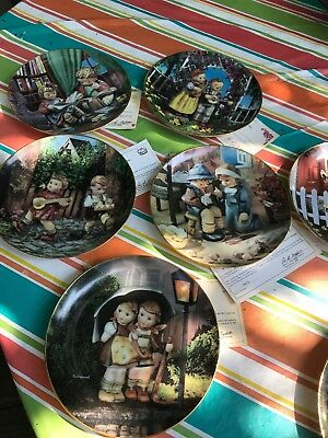 The M.J. Hummel collector plate Little Companions 1992