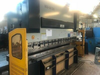 Others Available SOLD- Mantech 3m x 100ton pressbrake nearly new