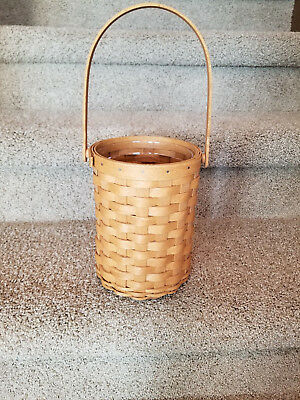 Longaberger 2005 Beverage Tote Wine Basket with protector