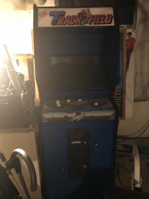 Classic arcade game, floor model, large coin operated type