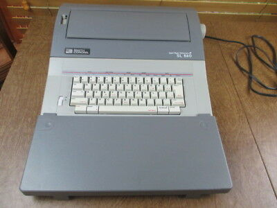 Smith Corona SL560 Portable Electronic Typewriter Grey Spell -Right Dictionary