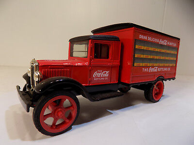 New Old stock 1993 Coca Cola 1931 Hawkeye Delivery Truck Ertl # 2919