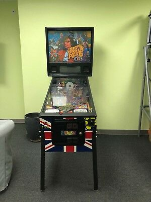 STERN Austin Powers APWR Pinball Machine Slightly Used Great Working Condition!