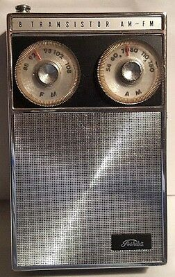 Vintage Toshiba 8 TP 686F Transistor Radio  With Case TESTED WORKS!