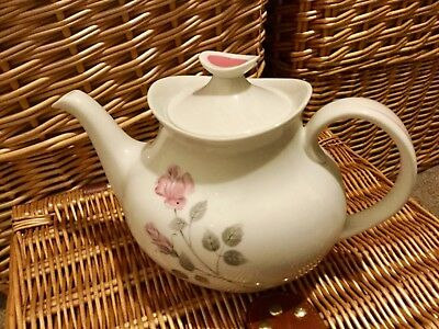 Lovely vintage Royal Doulton Pillar Rose Teapot 7' x 9.5' inches ex cond