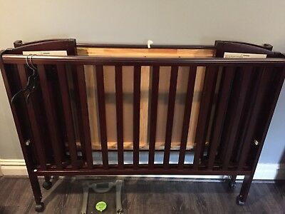 dream on mme 3 in 1 folding portable crib