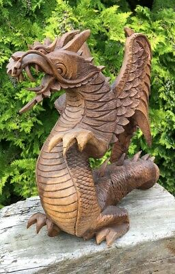 Beautiful Vintage Hand Carved Wooden Chinese Oriental Dragon *