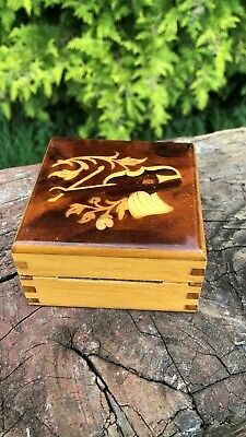 Beautiful Vintage Wooden Box With Wooden Inlay & Hinged Lid *