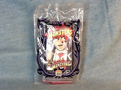 1997 MINT PACK UNIVERSAL MONSTER MOVIE CREATURE DRACULA w COFFIN BURGER KING TOY