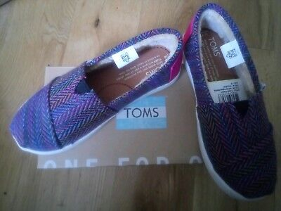 TOMS girls Shoes Trainers. BNIB. Size 12. RRP £35. Fur Inside, very cosy.
