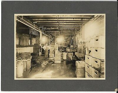 "Vintage 7"" X 5"" Real Picture Photo Of Hastings Bottling Co. Hasting, Mi."