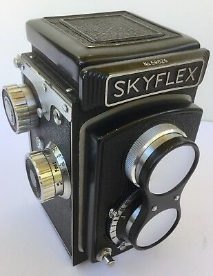 Vintage Skyflex TLR with original case and original lens cover - working