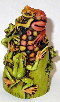 Neil Eyre Designs Halloween haunted Indian corn husk tree frog 3 frogs LE50