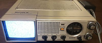 Vintage Sony 1970's  TV-411 Portable FM-AM-TV  Works plus FREE Shipping !