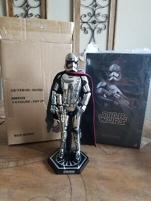 Captain Phasma HOT TOYS 1/6 Collectible STAR WARS Force Awakens MMS 328