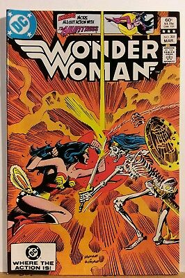 Wonder Woman No.301 Huntress Back Up Story Cavelieri Cover Art 1983