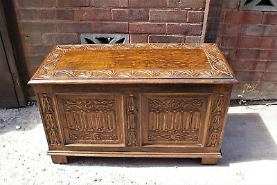 Vintage Oak  Panelled Linenfold Carved Blanket Box Storage Coffer Trunk.