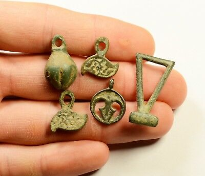Great Lot Of 5 Ancient Roman To Post Medieval Bronze Pendants - Nice Artifacts