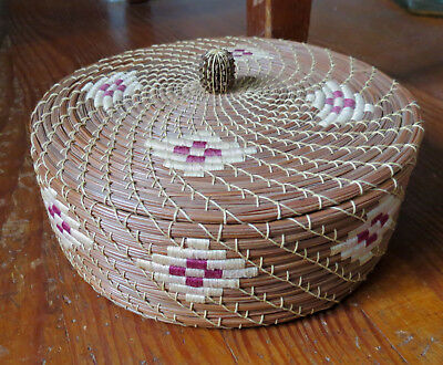 FINE CREEK INDIAN PINE NEEDLE LIDDED BASKET BY MARY NELL BAILEY - Native America