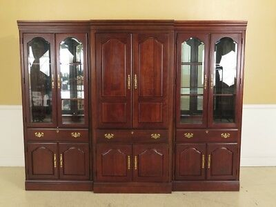 F45290EC: AMERICAN DREW Beveled Glass Cherry Entertainment Curio Cabinet