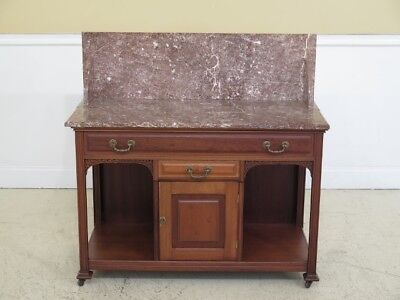 F45263EC: Antique American Victorian Walnut Marble Top Washstand