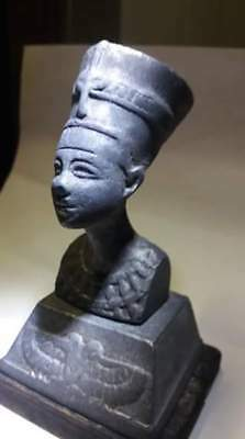 Ancient Statue of the Pharaonic Queen of Nefertiti