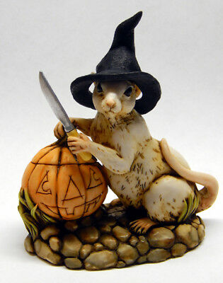Harmony Kingdom Artist Neil Eyre Designs Halloween Mouse Witch Carving Pumpkin