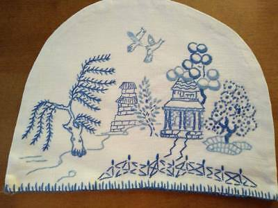 Gorgeous Blue Willow ~ Vintage Hand Embroidered Small Tea Cosy/Cover