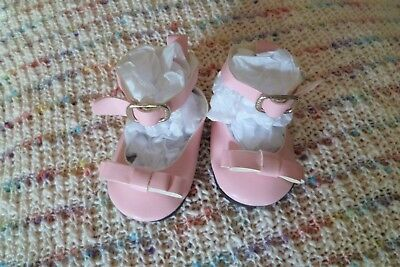 Baby clothes GIRL premature/tiny<5-7.5lbs/2.3-3.4kg length 7cm pale pink shoes
