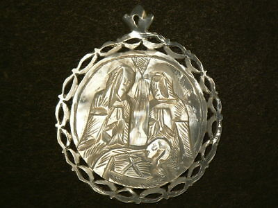 Mother of Pearl Religious Carving Medallion 45mm Birth of Christ #G7811