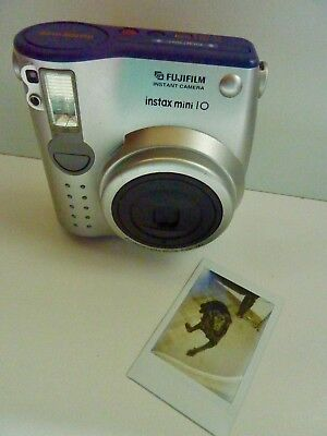 FUJI INSTAX MINI 10 Instant CAMERA - TESTED AND WORKING ORDER