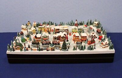 Hawthorne Village Miniature Thomas Kinkade Animated CHRISTMAS PARADE Display LN