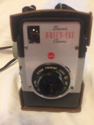 Vintage Kodak Brownie Bulls-Eye Box Camera with case